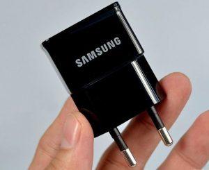 Thiết bị máy nghe lén ngụy trang cốc sạc Samsung