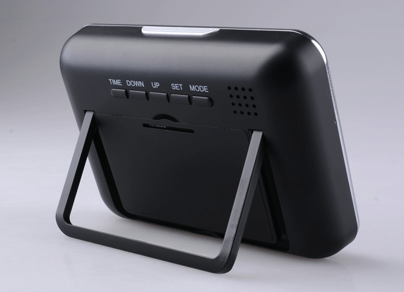 Camera ngụy trang đồng hồ để bàn Q3 TPHCM